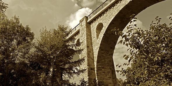 bridge-1392063_640